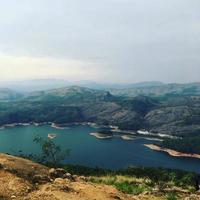 photo panoramique de la rivière