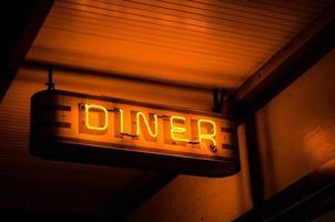 lumière néon dîner