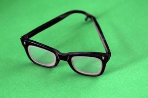 lunettes en plastique noir photo