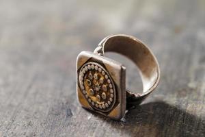 bijoux traditionnels en argent du sud de la péninsule arabique photo