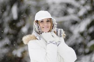 autriche, altenmarkt, jeune femme souriante, portrait photo