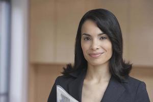 confiant, femme, agent immobilier, sourire photo
