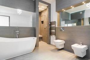 élégante salle de bain classique