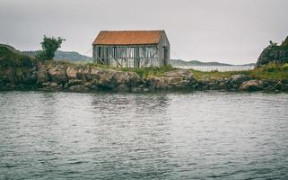 maison grise vidé
