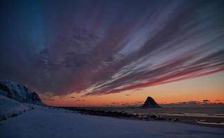 coucher de soleil sombre et maussade photo