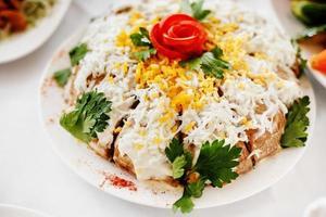 nourriture mixte sur table de banquet. photo