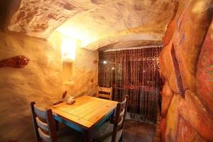 restaurant européen aux couleurs vives photo
