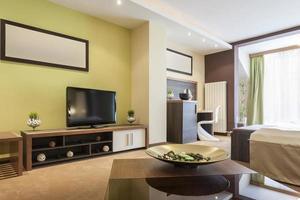intérieur de chambre spacieuse et moderne