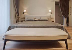 série de design d'intérieur de belle chambre confortable photo