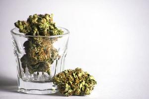 verre de marijuana