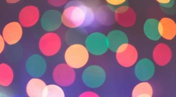 lumières colorées de la ville de nuit