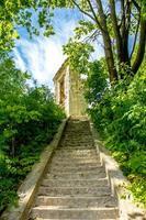 escaliers menant aux ruines photo