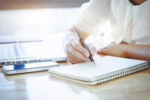 gros plan, de, femme, écriture, notes