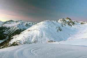 paysage d'hiver sur les montagnes
