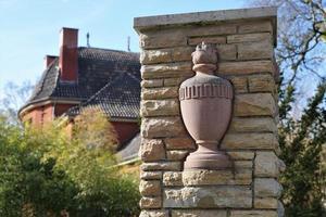 colonne dans un cimetière