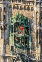 Horloge de la tour de l'hôtel de ville de la marienplatz