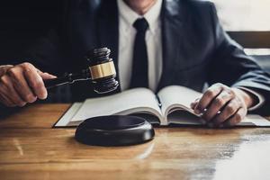 gros plan d'un avocat