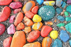 galets colorés sur la plage
