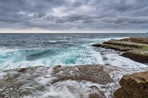 Une longue exposition de l'océan à Sydney, Australie