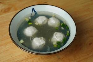 soupe de boulettes aux oignons verts