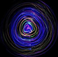 longue exposition de lumières colorées