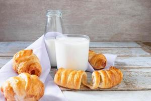 pain frais au lait photo