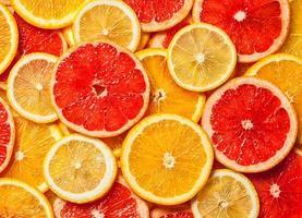 tranches d'agrumes colorées photo