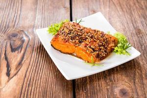 morceau de saumon fumé photo