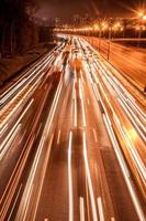 route de trafic nocturne photo