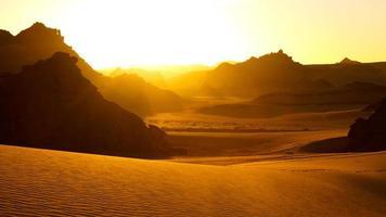 Montagnes Akakus (Acacus), Sahara, Libye au lever du soleil