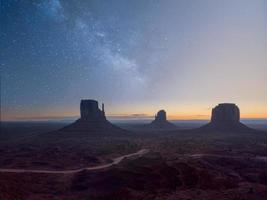 matin à monument valley photo