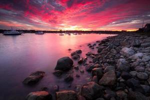Rye Harbour - ciel rouge la nuit les marins ravissent photo