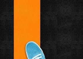 chaussure de sport bleue