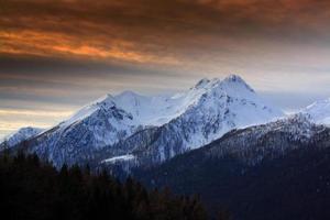 montagne rouge photo