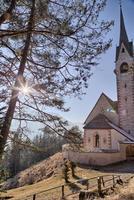 église romane catholique de st. Jacob, ortisei dans les dolomites italiennes photo