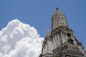 wat arun le temple de bangkok en thaïlande. photo