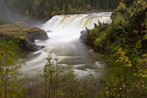 Pisew Falls dans le nord du Manitoba, Canada photo