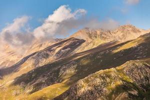 montagne verte en turquie photo