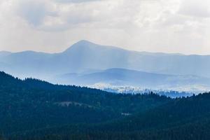crête monténégrine dans les Carpates photo