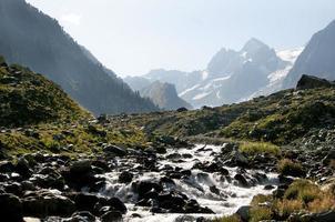ruisseau de montagne photo