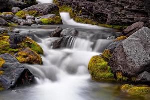 ruisseau dans les montagnes hibiny