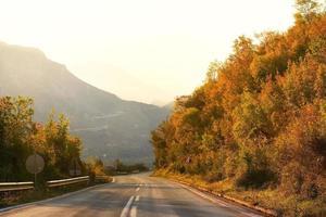 route de montagne au monténégro