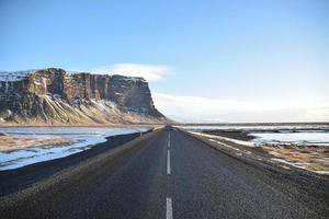 route vers la montagne