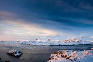 belles montagnes enneigées