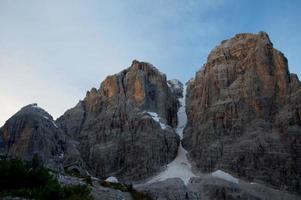 l'aube dans les montagnes photo