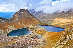 vue du col sur les deux lacs photo