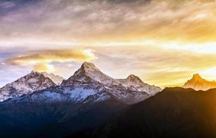 Chaîne de montagnes de l'Annapurna, Népal photo