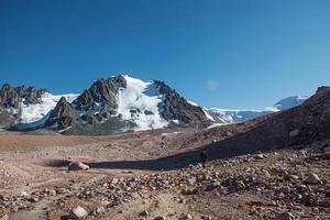 montagnes d'Alatau. photo