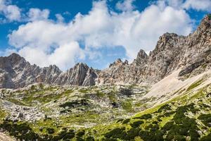 Panorama du parc national et montagnes des Dolomites à Cortina d'Ampez