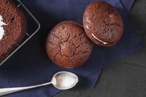 gâteau au chocolat avec biscuits au chocolat